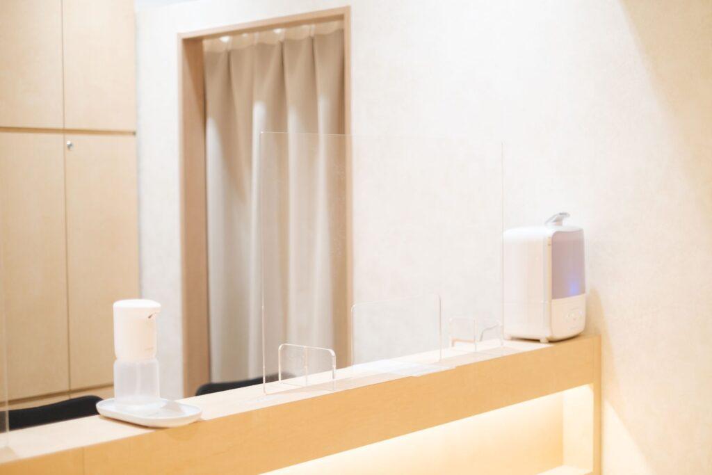 飛沫感染防止アクリル板設置